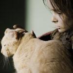 Marta Kozlova con un gatto in Anna's War di Aleksej Fedorčenko (Russia, 2018)