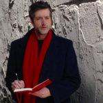 """Riccardo Vianello, nei panni di Philip Rembrandt, narratore del documentario """"Cercando Valentina - Il mondo di Guido Crepax"""""""