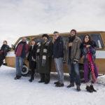 Un'immagine del cast della commedia Hotel Gagarin di Simone Spada (Italia, 2018)