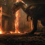 Dinosauri e distruzione durante Jurassic World - Il regno distrutto di J.A. Bayona (Jurassic World: Fallen Kingdom, USA, Spagna 2018)
