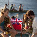 Shailene Woodley e Sam Claflin in un momento di Resta con me di Baltasar Kormákur (Adrift, USA, Hong Kong, Islanda 2018)