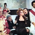 Una curiosa immagine tratta da Conviene far bene l'amore di Pasquale Festa Campanile (Italia, 1975)