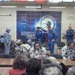 Fermento nella base spaziale durante il documentario Baikonur, Terra di Andrea Sorini (Italia, Russia, Kazakista 2018)