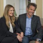 Drew Barrymore e Timothy Olyphant, coppia apparentemente felice in Santa Clarita Diet, serie tv creata da Victor Fresco (USA, 2017-2018)