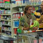 """Momenti """"consumistici"""" ne La solita commedia - Inferno di Fabrizio Biggio, Francesco Mandelli, Martino Ferro (Italia, 2015)"""
