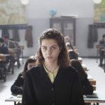 Margherita Mazzucco a scuola durante L'amica geniale serie tv diretta da Saverio Costanzo (Italia, USA 2018)