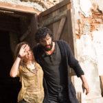 Sophie Cookson e Corneliu Ulici nel finale di Crucifixion - Il male è stato invocato di Xavier Gens (The Crucifixion, UK, USA, Romania 2017)