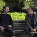 Marco Giallini e Valerio Mastandrea protagonisti di Domani è un altro giorno di Simone Spada (Italia, 2019)