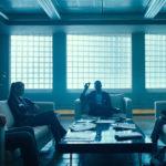 Tutti nella stanza in un'immagine tratta da Escape Room di Adam Robitel (USA, Canada 2019)