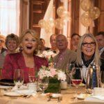 Candice Bergen e Diane Keaton in un momento ilare di Book Club - Tutto può succedere di Bill Holderman (USA, 2018)