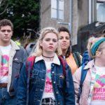 Un'altra immagine tratta da Derry Girls, serie tv, creata daLisa McGee (UK, 2018)