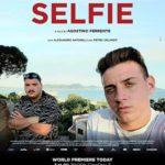 La locandina del documentario Selfie di Agostino Ferrente (Italia, Francia 2019)
