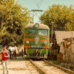 Treno in arrivo nel corso di The Bra di Veit Helmer (Germania, Azerbaigian 2018)