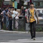 L'italo -bengalese Phaim Bhuiyan in un'altra immagine tratta dal suo film Bangla (Italia, 2019)