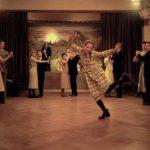 Immagini di ballo per la protagonista di Becoming Astrid di Pernille Fischer Christensen (Unga Astrid, Svezia, Danimarca 2019)