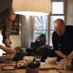 Intimità domestica nel documentario Every Other People di Mia Halme (Joka toinen pari, Finlandia 2016)