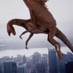 La creatura del titolo in un'immagine tratta da Il serpente alato di Larry Cohen (Q, USA 1982)