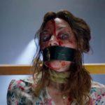 Aubrey Plaza in grossi guai nel corso de La bambola assassina di Lars Klevberg (Child's Play, USA, Canada, Francia 2019)