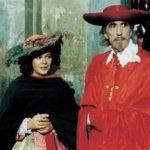 Laura Antonelli con Christopher Lee in un'immagine tratta da L'avaro di Tonino Cervi (Italia, Francia, Spagna 1990)