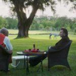 Morgan Freeman e John Travolta in un momento di The Poison Rose di Francesco Cinquemani e George Gallo (USA, Italia 2019)