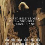 La locandina de L'incredibile storia della signora del terzo piano di Isabel Russinova e Rodolfo Martinelli (Italia, 2019)