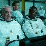 Donald Sutherland e Brad Pitt in un momento di Ad Astra di James Gray (USA, Cina 2019)