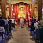 Rituali buddhisti durante il documentario Buddha in Africa di Nicole Schafer (Svezia, Sud Africa 2019)