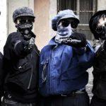 Pronte alla rapina durante Brave ragazze di Michela Andreozzi (Italia, 2019)