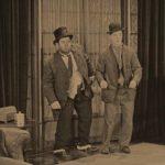 Oliver Hardy e Stan Laurel in un momento di Duck Soup di Fred Guiol (USA, 1927)
