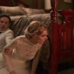 Samara Weaving in un'immagine tensiva tratta da Finché morte non ci separi di Matt Bettinelli-Olpin e Tyler Gillett (Ready or Not, USA, Canada 2019)