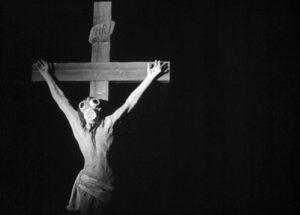 """Un'immagine """"cristologica"""" sapientemente aggiornata in Oblomok Imperii di Fridrikh Ermler (Unione Sovietica, 1929)"""