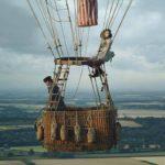 Eddie Redmayne e Felicity Jones in una spettacolare immagine tratta da The Aeronauts di Tom Harper (UK, USA 2019)