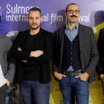 Carlo Liberatore (secondo da sinistra) con lo staff organizzativo del Sulmona International Film Fest
