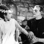 Elsa Lanchester e Boris Karloff in una scena di culto de La moglie di Frankenstein di James Whale (Bride of Frankenstein, USA 1935)