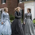 Florence Pugh, Saoirse Ronan ed Emma Watson in un momento di Piccole donne di Greta Gerwig (Little Women, USA 2019)