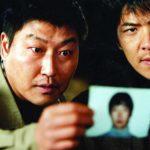 Kang-ho Song e Sang-kyung Kim in un'immagine tratta da Memorie di un assassino di Bong Joon Ho (Salinui chueok, Corea del Sud 2003)