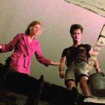 Shelley Long e Tom Hanks contemplano il disastro nel corso di Casa dolce casa? di Richard Benjamin (The Money Pit, USA 1986)
