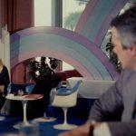 Anita Ekberg e Brunello Chiodetti in un momento di Suor omicidi di Giulio Berruti (Italia, 1979)