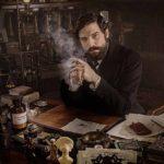 Robert Finster è il personaggio principale di Freud, serie tv diretta da Marvin Kren (Austria, Germania 2020)