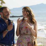 Massimiliano Gallo e Diana Del Bufalo in un momento di 7 ore per farti innamorare di Giampaolo Morelli (Italia, 2020)