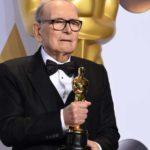 Ennio Morricone festeggia il premio Oscar ottenuto per The Hateful Height di Quentin Tarantino