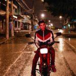 Momenti di vita notturna per il protagonista di Los fantasmas di Sebastian Lojo (Guatemala, Argentina 2020)