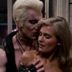 Craig Wasson in un momento sexy di Omicidio a luci rosse di Brian De Palma (Body Double, USA 1984)