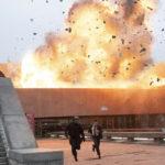 Un'immagine esplosiva tratta da Tenet di Christopher Nolan (USA, UK 2020)