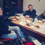 """Discussioni """"artistiche"""" nel documentario 50 - Santarcangelo Festival di Michele Mellara e Alessandro Rossi (Italia, 2020)"""