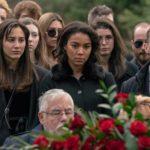 Alexandra Shipp al funerale dell'amato in Endless di Scott Speer (USA, 2020)