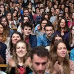 Volti tra la folla durante Il primo anno di Thomas Lilti (Première année, Francia 2018)
