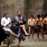 Un'altra, tragicamente grottesca, immagine tratta da Salò o le 120 giornate di Pier Paolo Pasolini (Italia, Francia 1975)